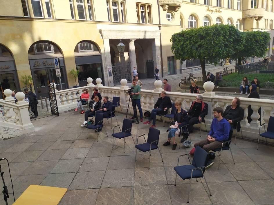 Music Speakers' Corner Auftakt für Vorhofgespräche mit Laufpublikum
